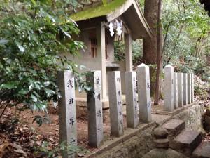 宝塔神社小さい祠